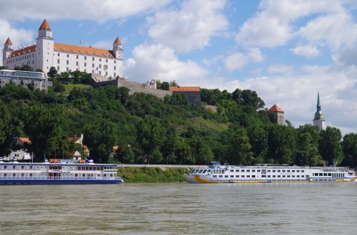 bratislava slovakia castle