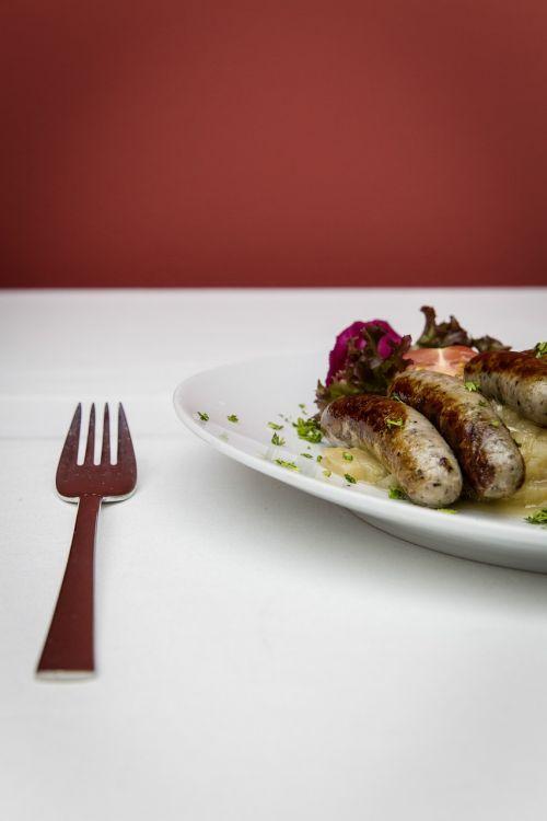 bratwurst coarse grill