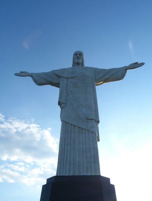 Brazilija,Rio de Žaneiras,cukraus gabalas,lankytinos vietos,pasaulyje garsaus,rio orientyras,kalnas,kristologinis šaltinis,orientyras
