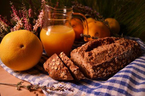 bread orange naturmort