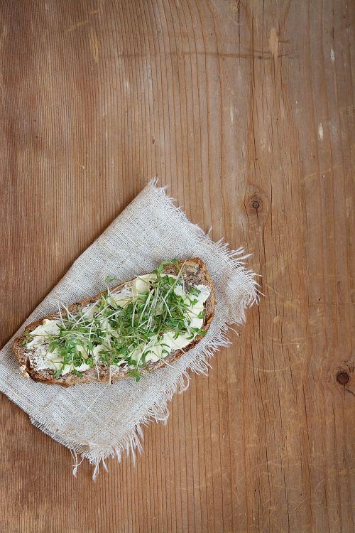 bread sandwich butter