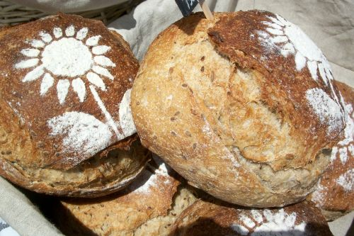 bread loaves artisan
