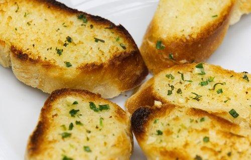 bread  baguette  baked