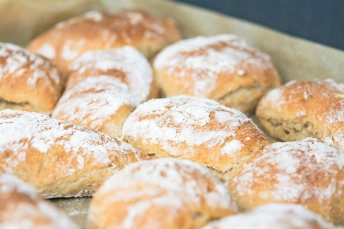 bread  bread roll  b