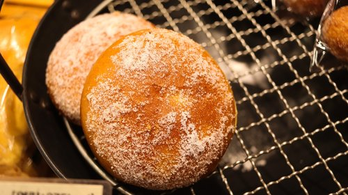 bread  sugar  sweet