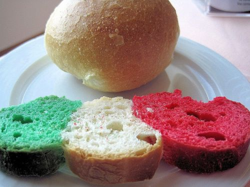 bread italian flag colors green