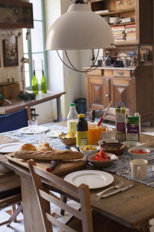 breakfast morning table settings