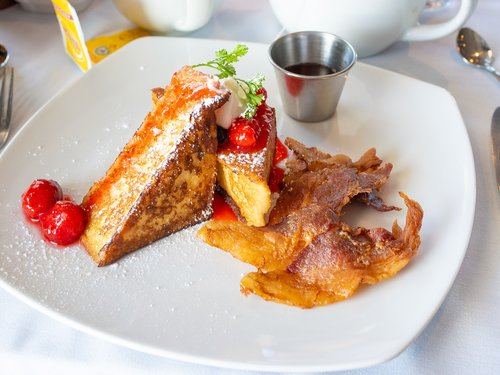 breakfast  french toast  syrup