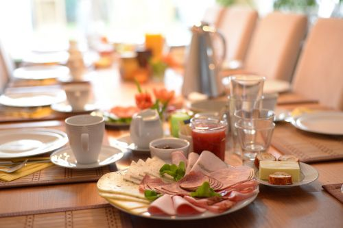 breakfast cold cuts table