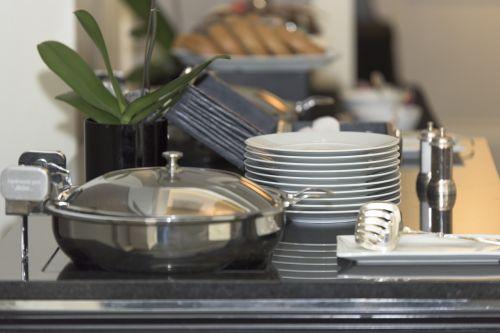 breakfast bar plates