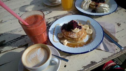 breakfast smoothie pancakes