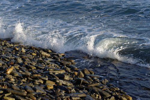 Breaking Waves 11