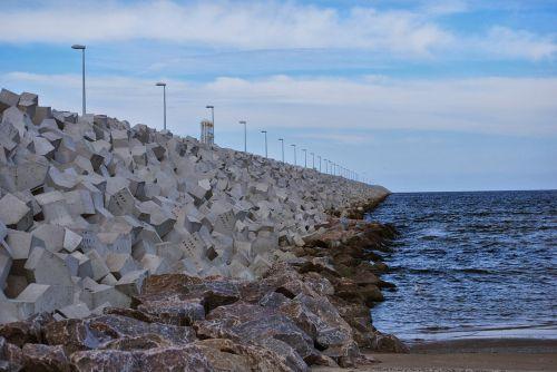 breakwater lake dusia concrete
