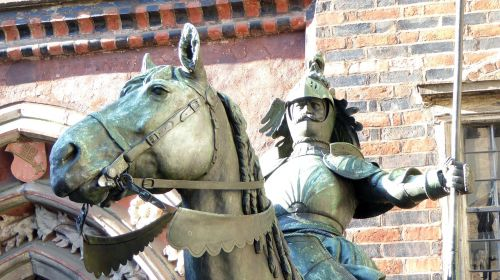 bremen town hall knight