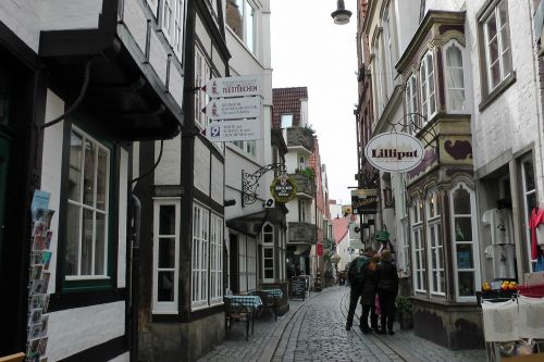 bremen city centre schnoor quarter alley