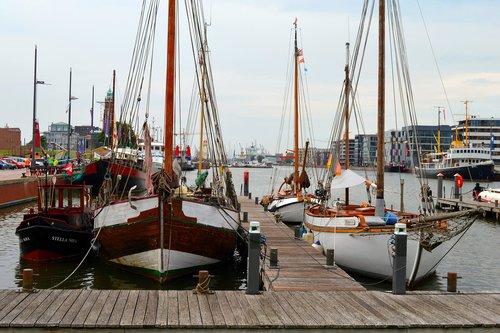 bremerhaven  ships  sailing boats