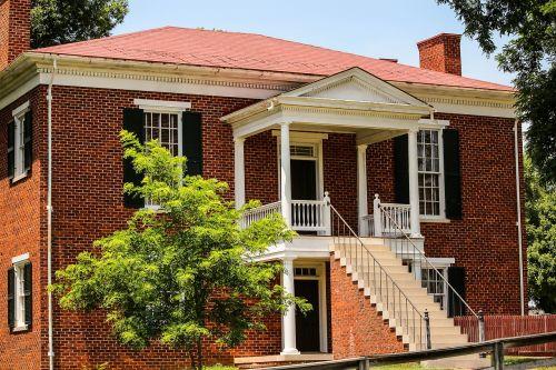 brick building appomattox court house united states national park