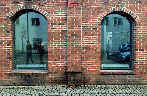 brickwall city symmetry