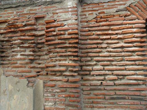 brickwall bricks aged