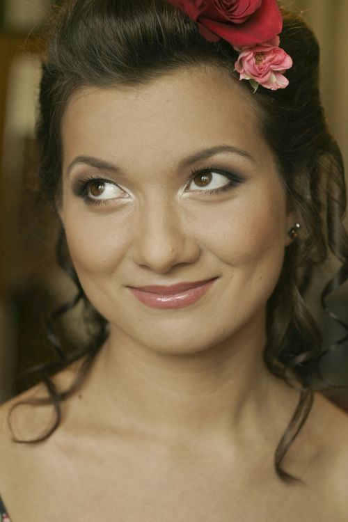 bride hairstyle makeup