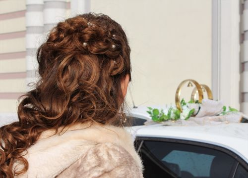 bride wedding hairstyle