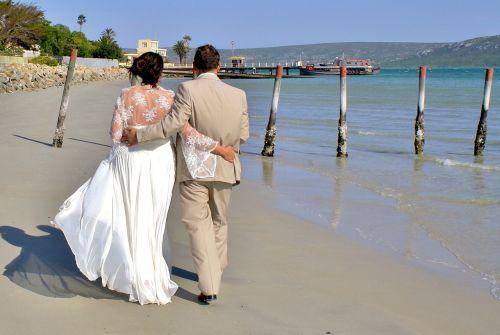 bride and groom wedding beach