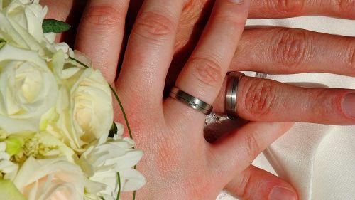 bride and groom marriage flowers