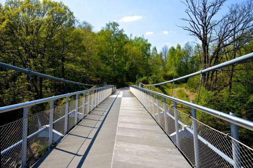 eifel bridge hiking