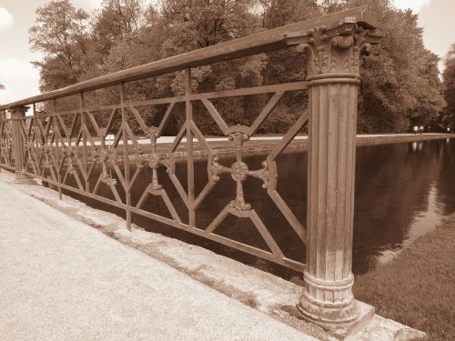 bridge iron grid