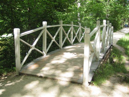 bridge summer white