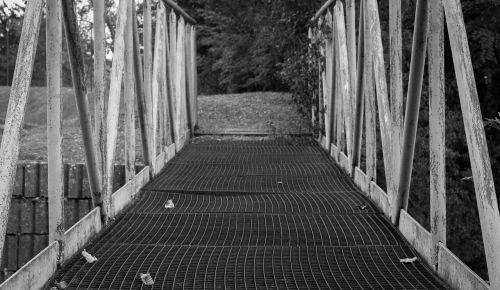 bridge path railing