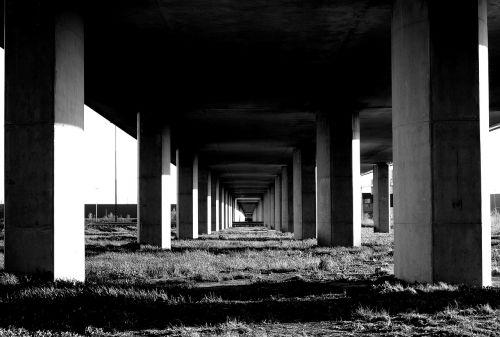 bridge column monochrome