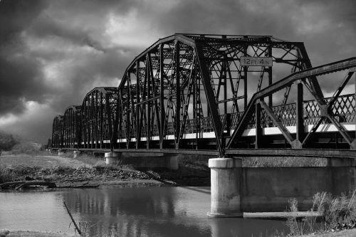 bridge water dark
