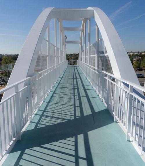 bridge cross metal