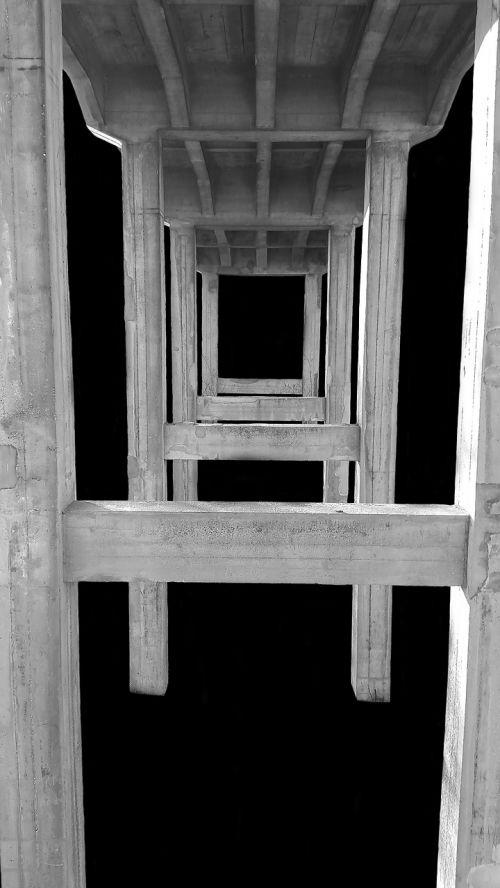 tiltas,juoda ir balta,architektūra,abstraktus,fonas,juoda balta,pastatas,juoda,juoda ir balta nuotrauka,senas,balta,šviesa,fasadas,kontrastas,poilsis,atmosfera,tylus,harmonija,nuotaika,betonas