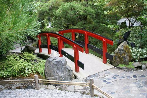 bridge red botanical garden