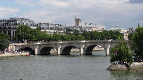 bridge seine monument