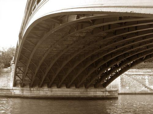 bridge la seine river