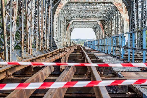 bridge tracks rails