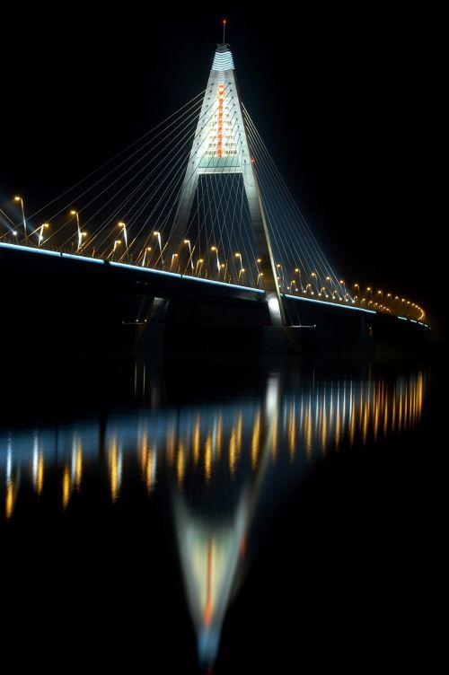 bridge danube night picture