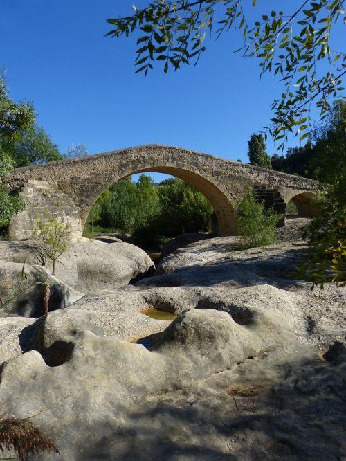 bridge medieval romanesque