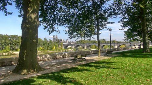 bridge orleans cathedral