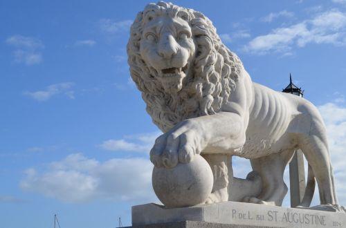 bridge of lions st augustine statue
