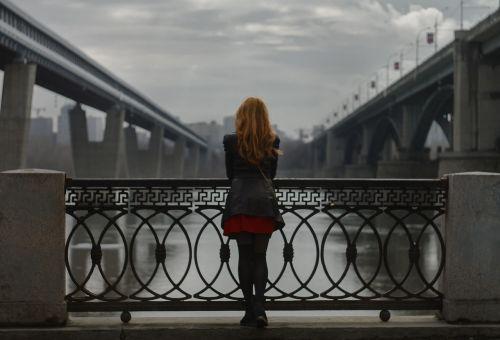 bridges girl autumn