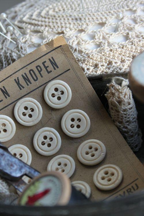brocante knots pincushion