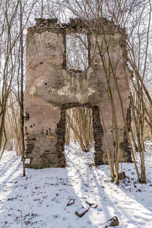 brohltal tönisstein monastery ruins