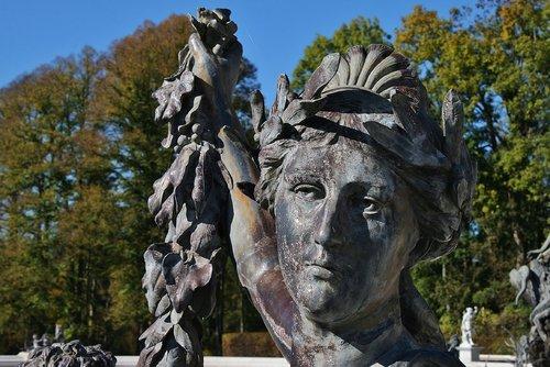 bronze  statue  art