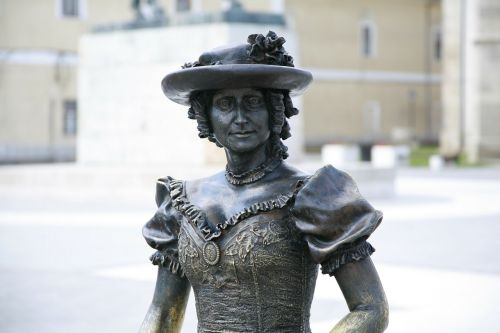 bronze statues alba iulia figure
