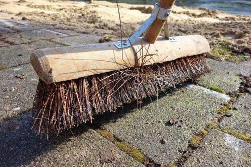 broom bristle handle