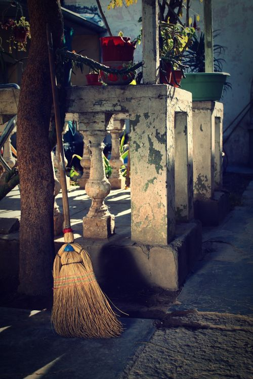 broom old antiques